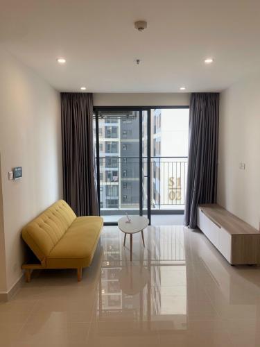 Phòng khách căn hộ Vinhomes Grand Park Căn hộ Vinhomes Grand Park hướng Tây Bắc, nội thất cơ bản.