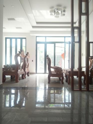Phòng khách nhà phố quận 7 Bán nhà phố 2 tầng, đường hẻm Chuyên Dùng Chính, phường Phú Mỹ, quận 7, diện tích đất 60.6m2, diện tích sàn 191.6m2, sổ hồng đầy đủ