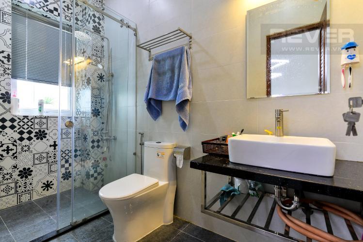 Phòng Tắm 1 Cho thuê nhà phố 3 tầng, 4PN, đường Liên Phường, Q.9, đầy đủ nội thất, diện tích đất 90m2