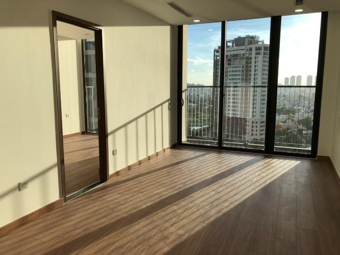 Căn hộ Eco Green Saigon nội thất cơ bản, phòng ngủ lót gỗ.