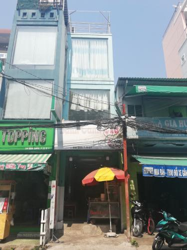Bán nhà 3 tầng đường Xóm Chiếu, phường 13, quận 4, diện tích đất 51.9m2, diện tích sử dụng 92.8m2.