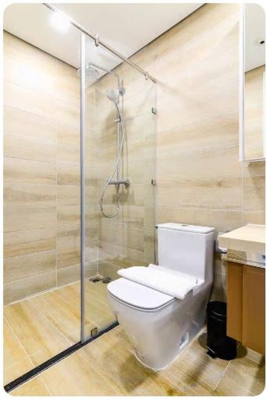 19 Bán căn hộ Vinhomes Golden River 2PN, tháp The Aqua 1, nội thất cơ bản, view sông và Landmark 81