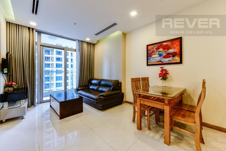 Phòng khách Bán căn hộ Vinhomes Central Park 2PN tầng trung, view sông, đầy đủ nội thất