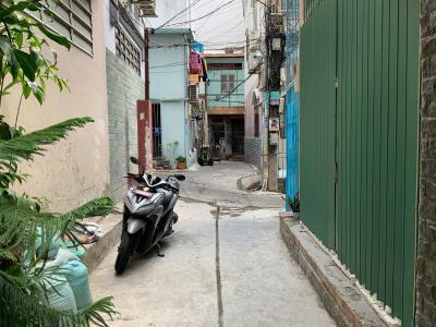 Bán nhà hẻm Trần Bình Trọng, Quận 5, sổ hồng, cách mặt tiền đường Nguyễn Văn Cừ 400m