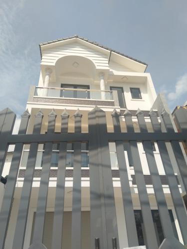 Bán nhà phố 2 tầng, đường hẻm Chuyên Dùng Chính, phường Phú Mỹ, quận 7, diện tích đất 60.6m2, diện tích sàn 191.6m2, sổ hồng đầy đủ
