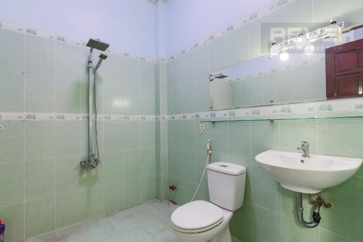 Phòng Tắm tầng 1 Biệt thự 4 phòng ngủ đường Lý Phục Man Quận 7