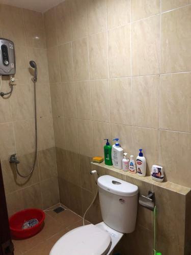 Phòng tắm The Harmona, Tân Bình Căn hộ The Harmona tầng cao hướng Đông, view thành phố.