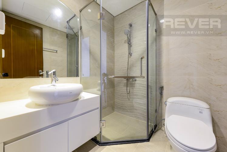 Phòng tắm 1 Căn hộ Vinhomes Central Park tầng cao L1, 3 phòng ngủ nội thất cơ bản