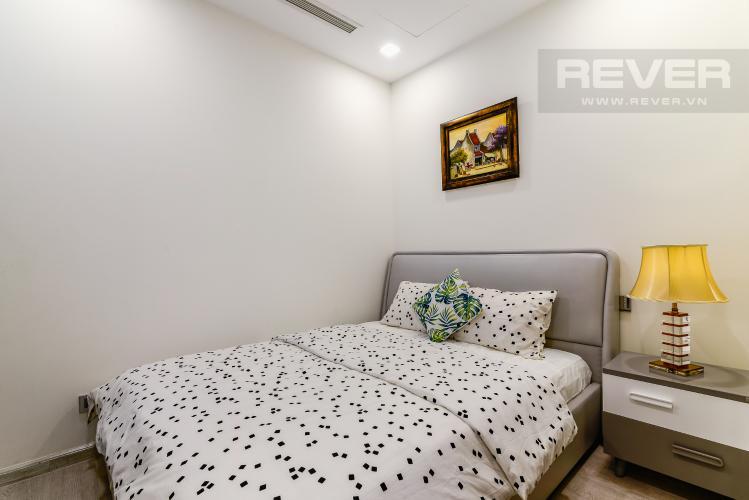 Phòng Ngủ 2 Căn hộ Vinhomes Golden River 2PN đầy đủ nội thất view đẹp