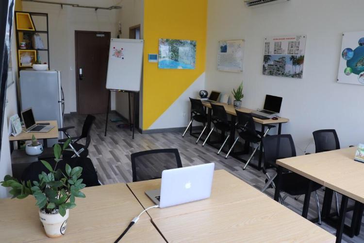 Phòng khách Masteri Millennium Quận 4 Căn hộ Office-tel Masteri Millennium đầy đủ nội thất, ban công thoáng.