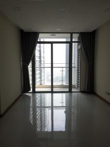Cho thuê căn hộ Vinhomes Central Park 2PN, diện tích 85m2, không có nội thất, ban công hướng Đông
