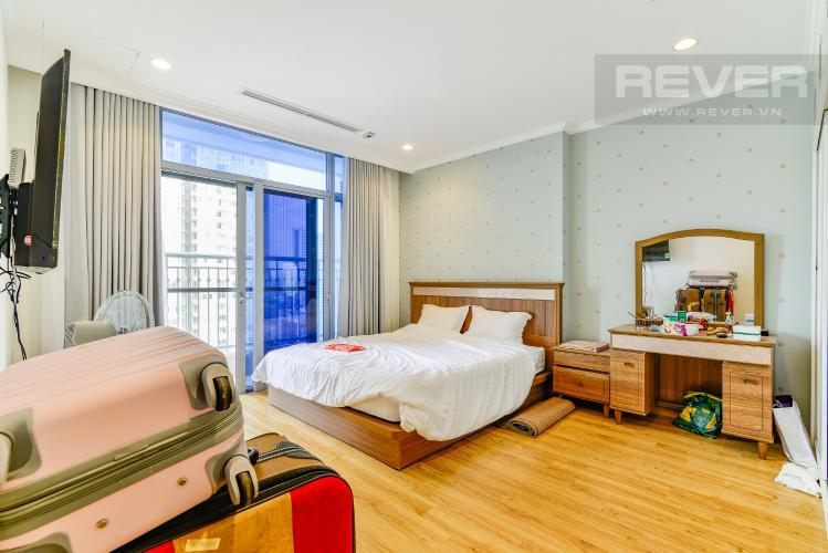 Phòng Ngủ 1 Căn hộ Vinhomes Central Park 4 phòng ngủ tầng trung C2 hướng Đông Nam