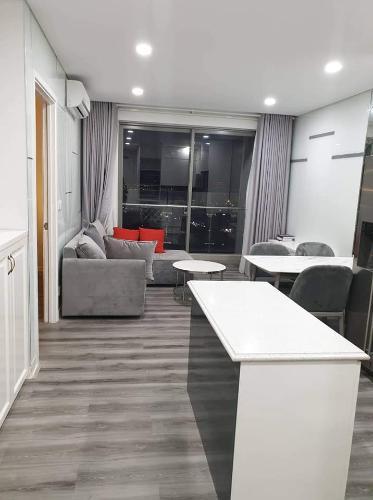 Bán căn hộ An Gia Skyline 2 phòng ngủ, diện tích 68m2, đầy đủ nội thất, full sàn gỗ