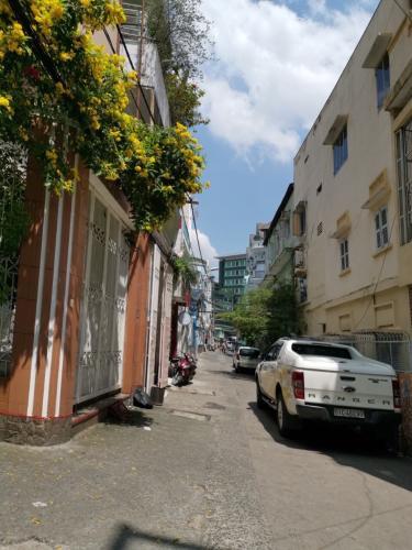 Bán nhà hẻm Trần Huy Liệu, phường 15, Quận Phú Nhuận. Diện tích đất 67.7m2