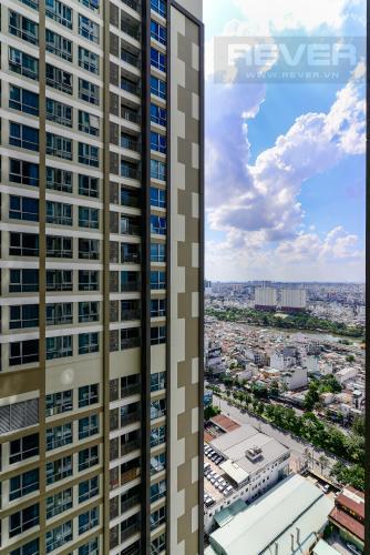 View Bán căn hộ Vinhomes Central Park 1PN, tháp Landmark 6, đầy đủ nội thất, view hồ bơi