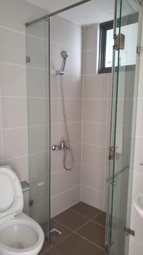 Nhà tắm căn hộ Masteri Thảo Điền quận 2 Căn hộ Masteri Thảo Điền 3 phòng ngủ view sông, nội thất đầy đủ.