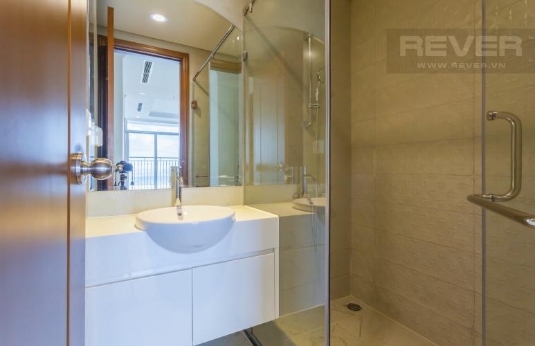 Phòng tắm 1 Căn hộ Vinhomes Central Park tầng cao Landmark 3 mới bàn giao, nội thất cơ bản