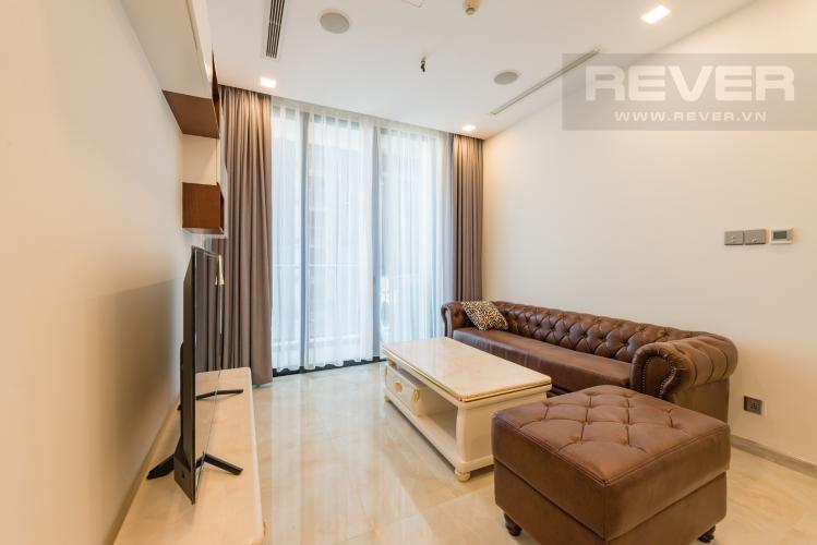 Phòng khách Căn officetel Vinhomes Golden River tầng cao, view đẹp, nội thất đầy đủ