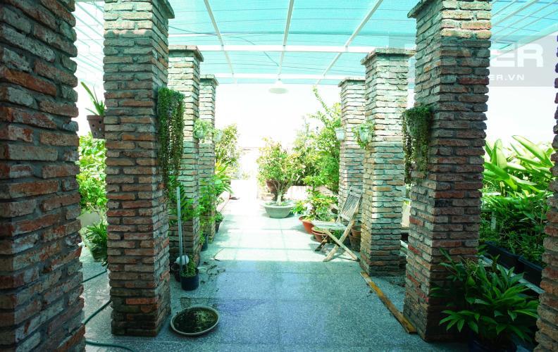 Sân Vườn Bán Penthouse Hoàng Anh Gold House 4PN, diện tích 310m2, đầy đủ nội thất, có sân vườn rộng