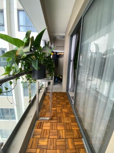 Ban công căn hộ The Gold View Căn hộ The Gold View quận 4, nội thất đầy đủ view thoáng mát