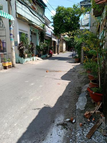 Hẻm nhà phố Trịnh Đình Trọng, Quận 11 Nhà phố hướng Tây Bắc, hẻm xe tải 8m, diện tích 42m2.