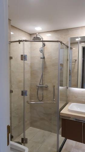phòng tắm Căn hộ Vinhomes Golden River tầng cao, hướng Tây Nam.