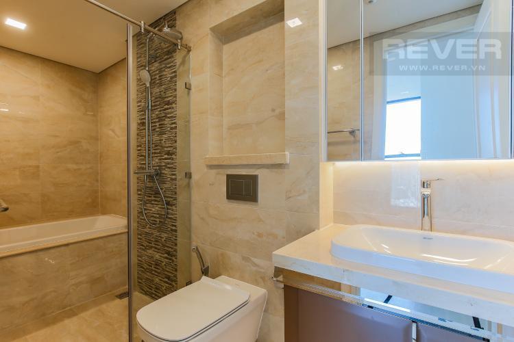 Phòng Tắm 1 Căn hộ Vinhomes Golden River tầng cao, 2PN, nội thất cơ bản