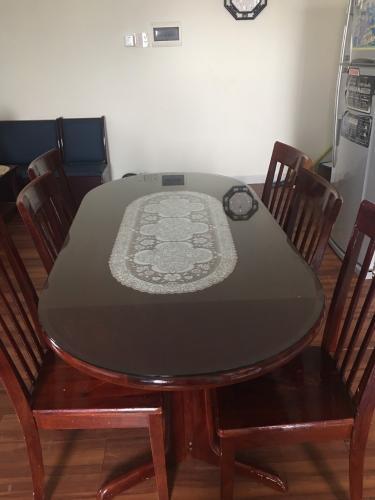 Phòng ăn Topaz Garden, Tân Phú Căn hộ Topaz Garden tầng cao, sàn lót gỗ, đầy đủ nội thất.