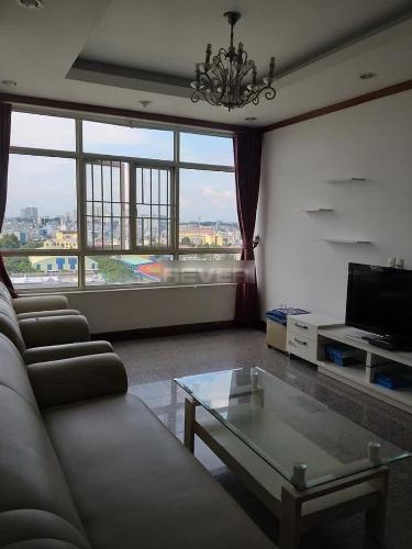 Căn hộ Chánh Hưng Giai Việt view thành phố, nội thất cơ bản.