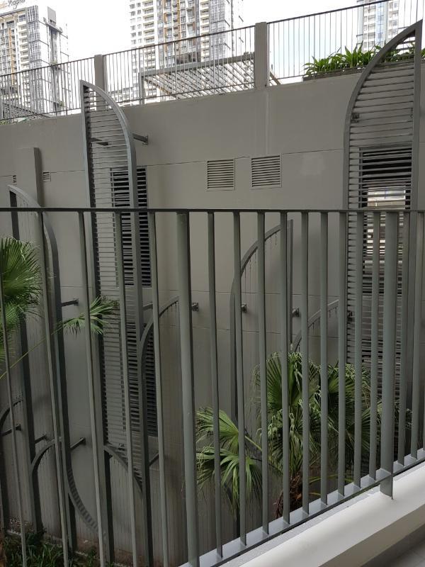 Ban công Bán căn hộ officetel Masteri An Phú, tầng thấp, tháp A, diện tích 46m2, không có nội thất, view hồ bơi