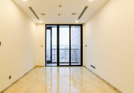 Officetel Vinhomes Golden River 1 phòng ngủ tầng cao A1 nhà trống