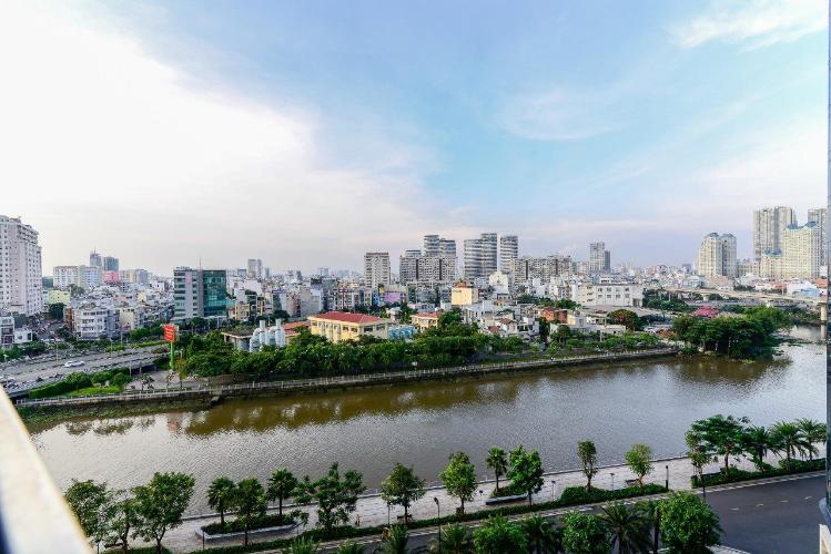 View căn hộ Vinhomes Golden River Căn hộ Vinhomes Golden River tầng thấp đầy đủ nội thất tiện nghi.