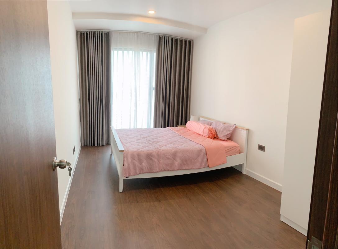 ef0029601e48f816a159 Bán hoặc cho thuê căn hộ Saigon Royal 3PN, tháp A, đầy đủ nội thất, view sông và Bitexco