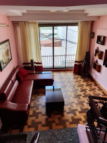 ban-nha-phu-nhuan Cho thuê nhà nguyên căn Quận Phú Nhuận, 1 trệt 3 lầu, cách Nguyễn Kiệm 20m, hẻm 2 xe hơi