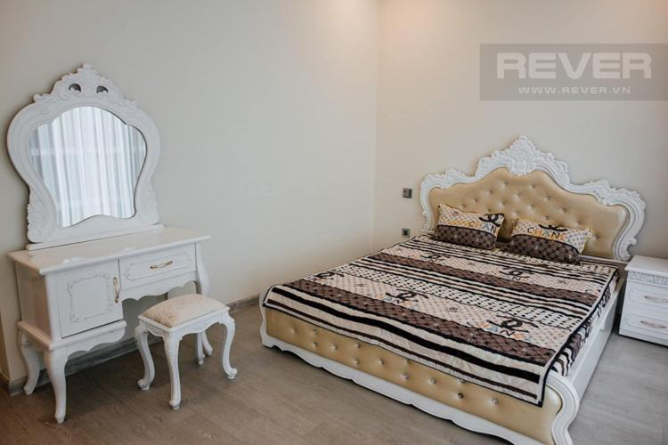 Phòng Ngủ Bán hoặc cho thuê căn hộ Vinhomes Golden River 3PN, tầng thấp, tháp The Luxury 6, đầy đủ nội thất
