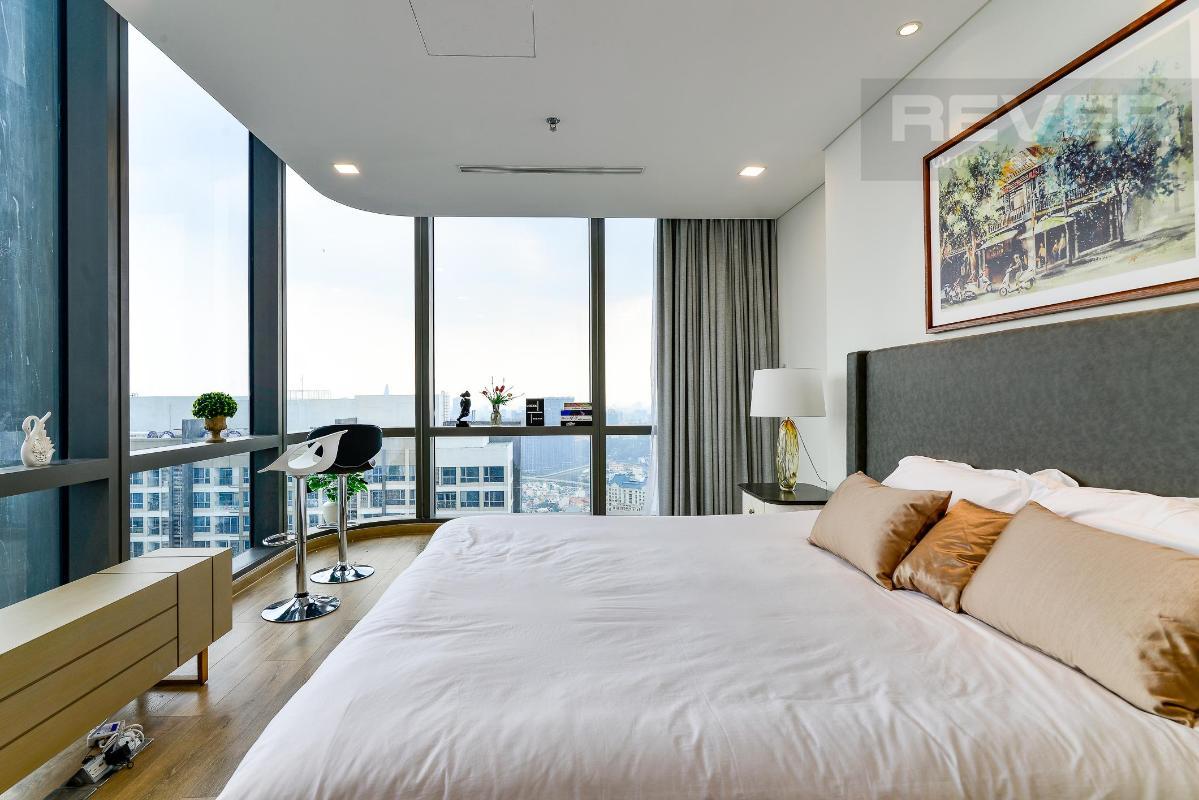 Phòng Ngủ 1.3 Bán hoặc cho thuê căn hộ Vinhomes Central Park 4PN, tháp Landmark 81, diện tích 164m2, đầy đủ nội thất, căn góc view thoáng