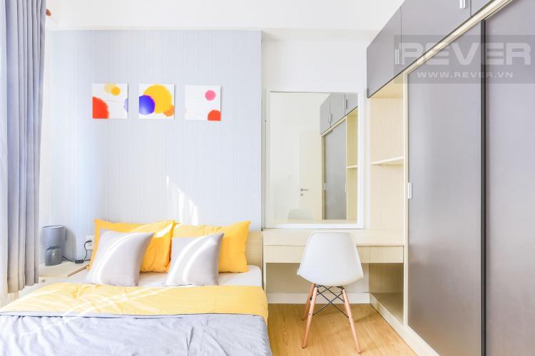 Phòng ngủ 2 cũng có góc bàn trang điểm Cho thuê căn hộ Masteri Thảo Điền 2PN, tầng cao, tháp T2A, đầy đủ nội thất, hướng Tây Bắc