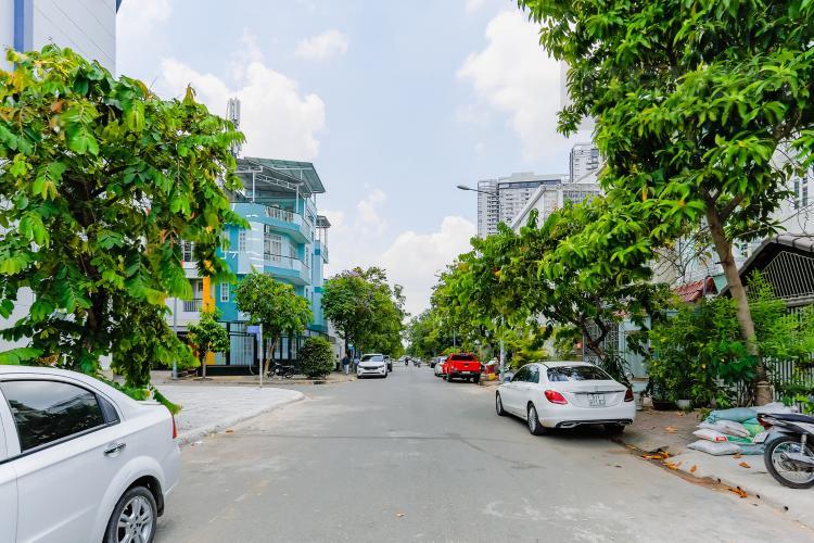 Lối Đi 2 Nhà phố 8 phòng ngủ đường số 3A Tân Hưng Quận 7