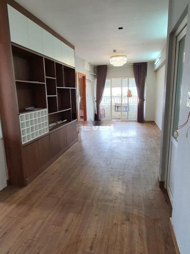 Căn hộ chung cư Linh Tây view thành phố sầm uất, nội thất cơ bản.