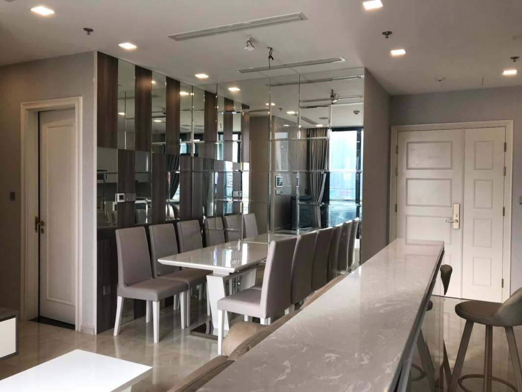 can-ho-VINHOMES-GOLDEN-RIVER Bán căn hộ Vinhomes Golden River 2PN, tầng thấp, đầy đủ nội thất, view kênh Thị Nghè và Landmark 81
