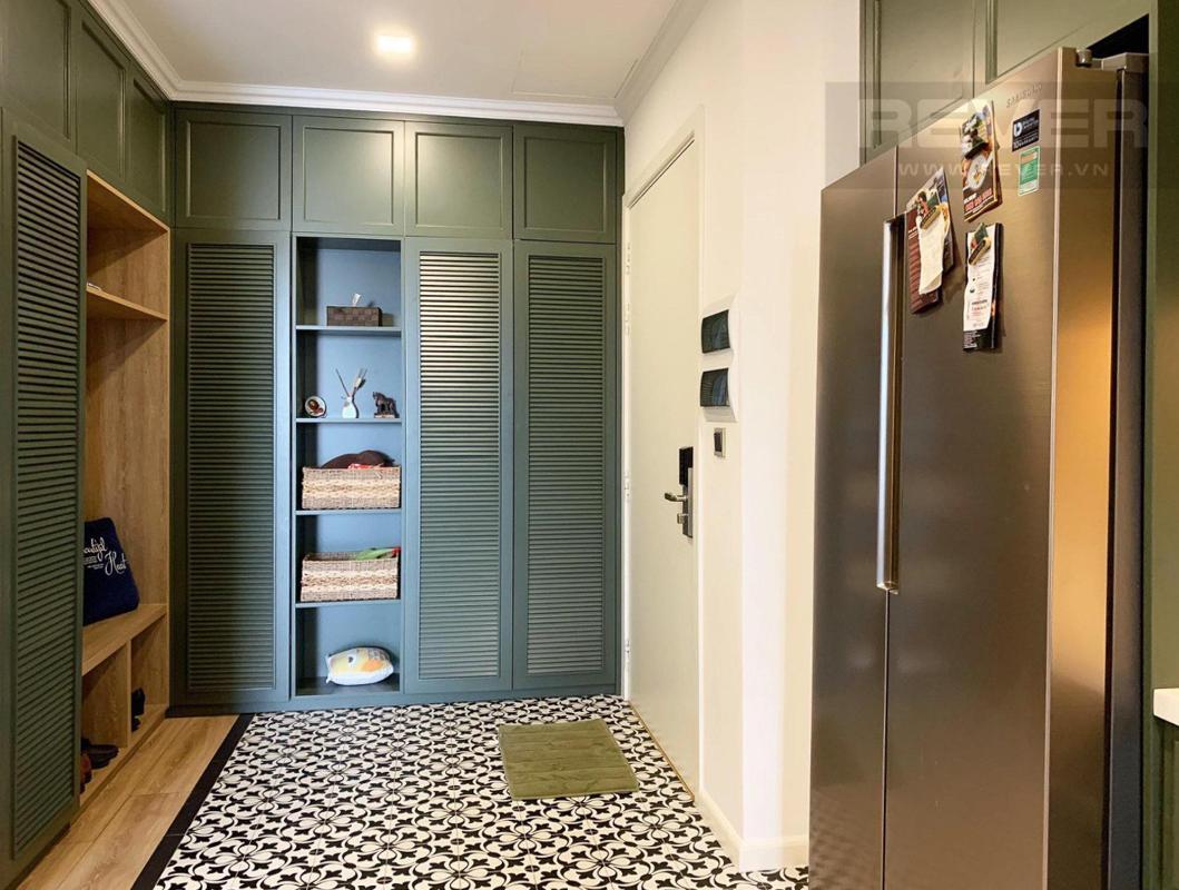 Kệ tủ trang trí Bán căn hộ Vinhomes Central Park 4PN, tháp Park 4, đầy đủ nội thất sang trọng, view sông và công viên mát mẻ