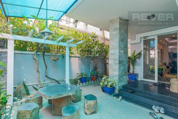 Sân Vườn Cho thuê nhà phố KDC Khang An - Phú Hữu Q.9, 3 tầng, 5 phòng ngủ, đầy đủ nội thất, diện tích 168m2