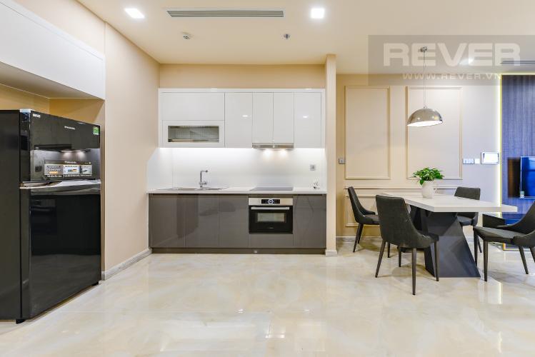 Bếp Căn hộ Vinhomes Golden River 2 phòng ngủ tầng cao A1 đầy đủ nội thất