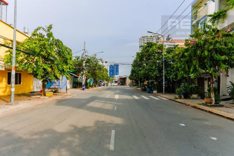 Lồi Đi 1 Nhà phố 6 phòng ngủ hướng Tây Bắc đường Số 1 Bình Thuận Quận 7