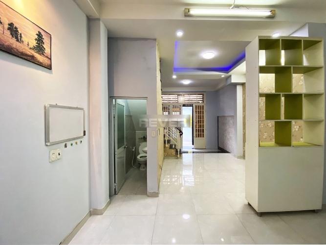 Nhà phố thông 2 ngõ đường Trần Xuân Soạn Quận 7, nội thất đầy đủ