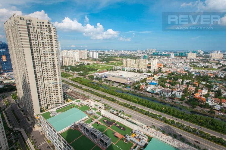 View ban công Căn góc Masteri Thảo Điền tầng cao tháp T2 thoáng mát