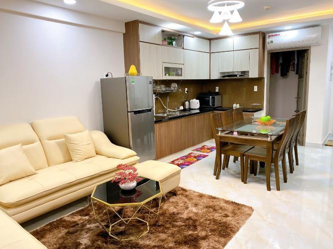 Căn hộ Saigon South Residence tầng cao, đầy đủ nội thất, view nội khu.