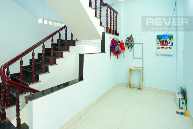 Phòng Làm Việc Tầng 1 Cho thuê nhà phố 3 tầng, phường Bình An, Q2, diện tích đất 92m2, đường trước nhà 2 ô tô tránh nhau