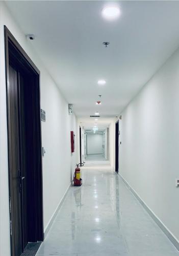 Hành lang căn hộ Topaz Elite Căn hộ Topaz Elite không kèm nội thất, hướng Tây Bắc.