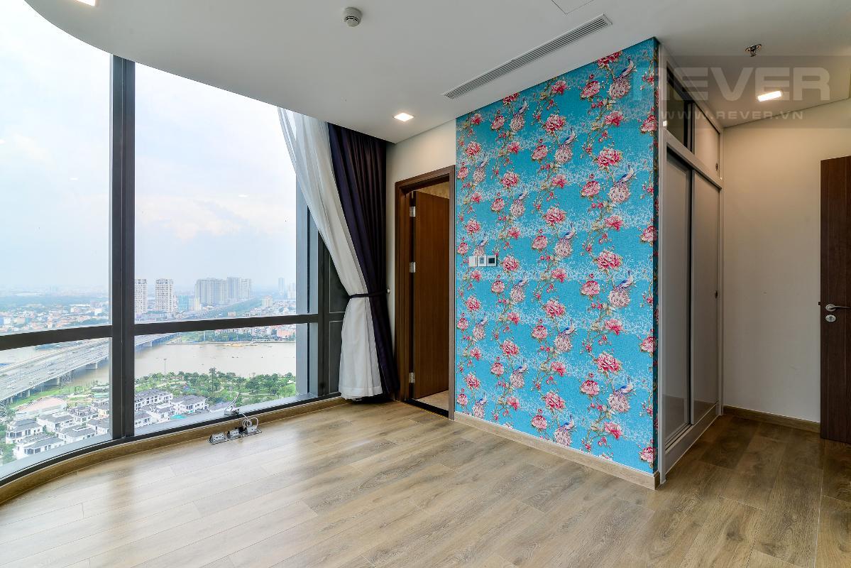 _DSC3990 Cho thuê căn hộ Vinhomes Central Park 2PN, tháp Landmark 81, nội thất cơ bản, là căn góc, view Xa lộ Hà Nội